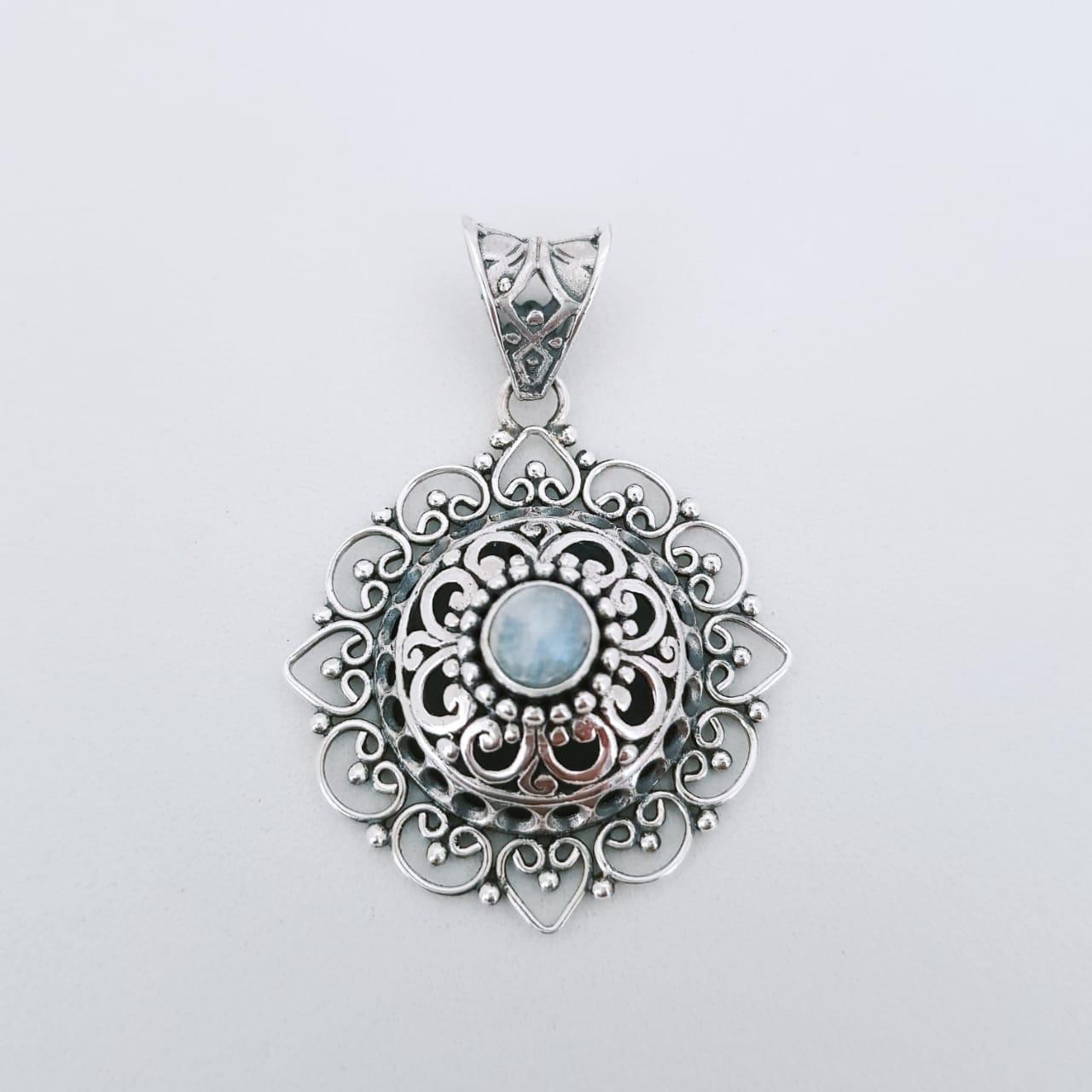 Pingente de Prata Mandala com Pedra da Lua