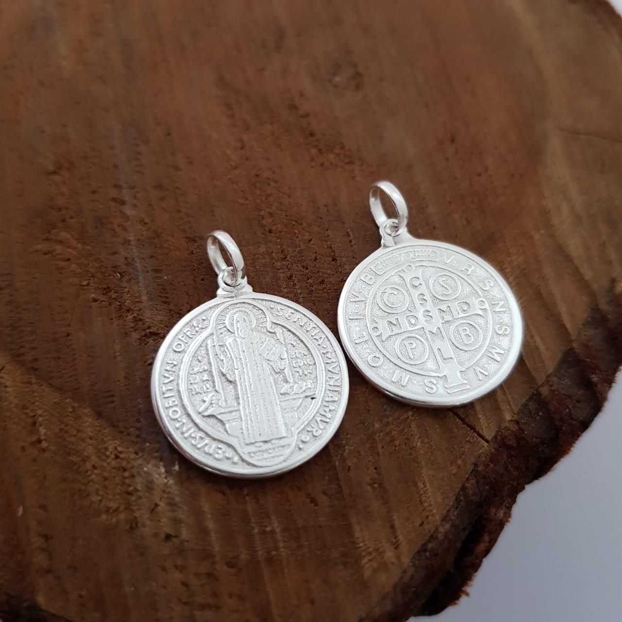 Pingente de Prata Medalha São Bento Pequena