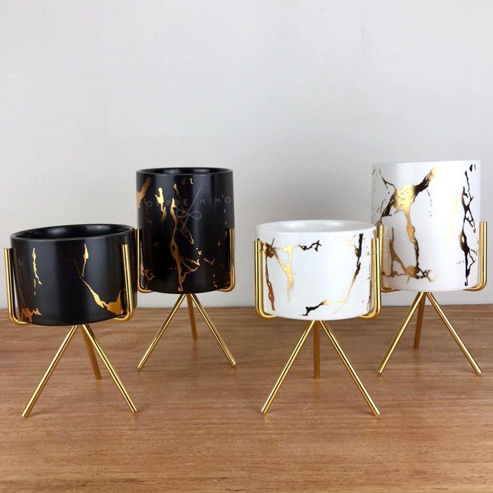 Mini Vaso Blair Calacata com Tripé Metal Dourado - Branco ou Preto