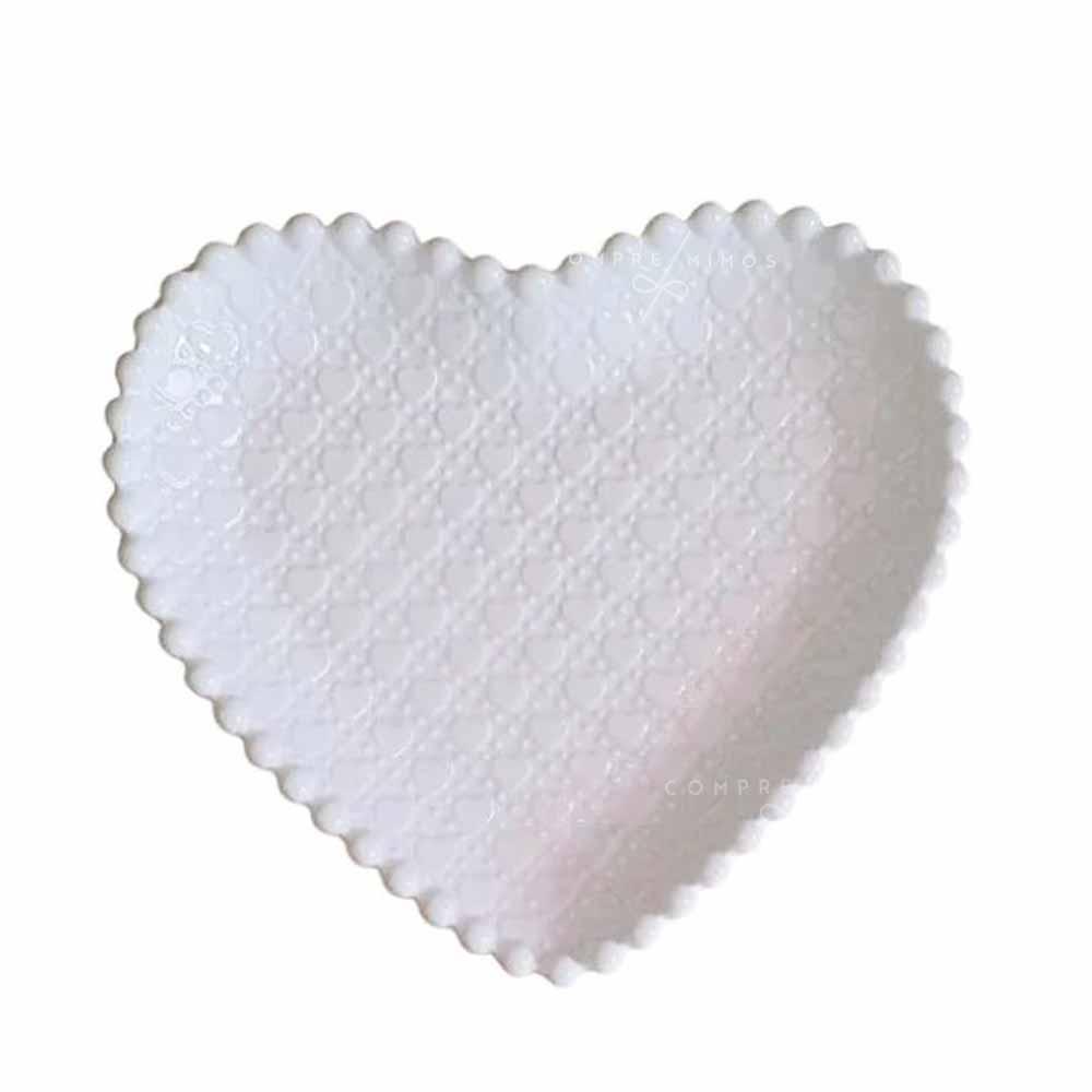 Pratinho de Coração Branco Com relevo em Corações e Borda em Poa - Cerâmica - 2x16x17 - UN