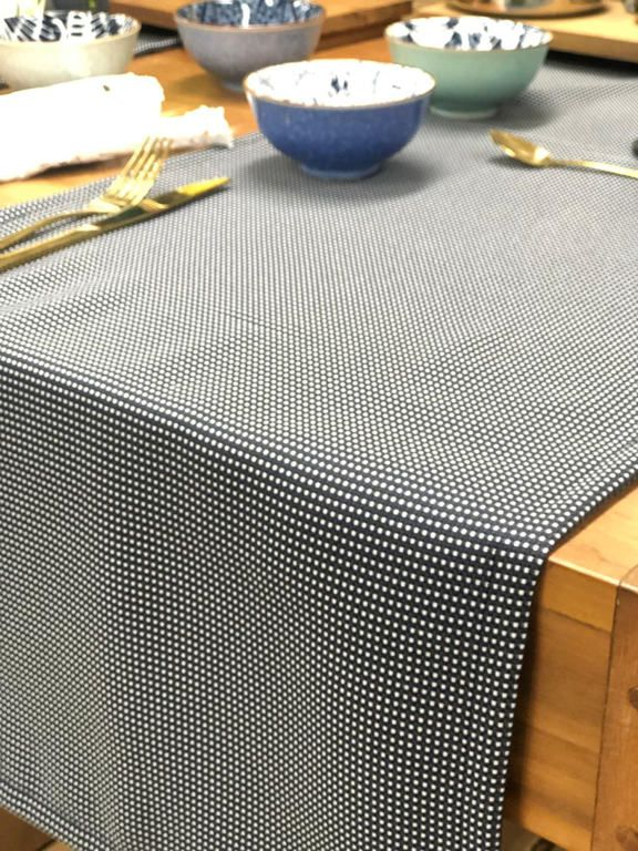 Trilho de Mesa Rob Poá Azul Marinho 145x40cm