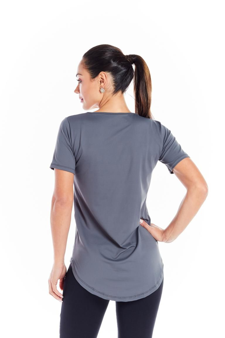 "BLUSA LONG - ""EVERY BODY NEEDS PILATES"""