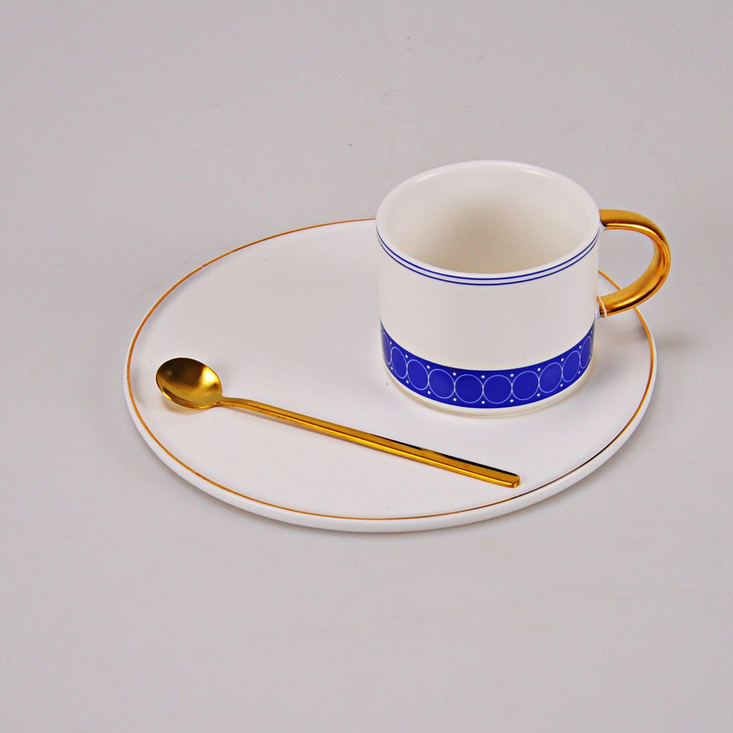 Xícara de Cerâmica com Píres