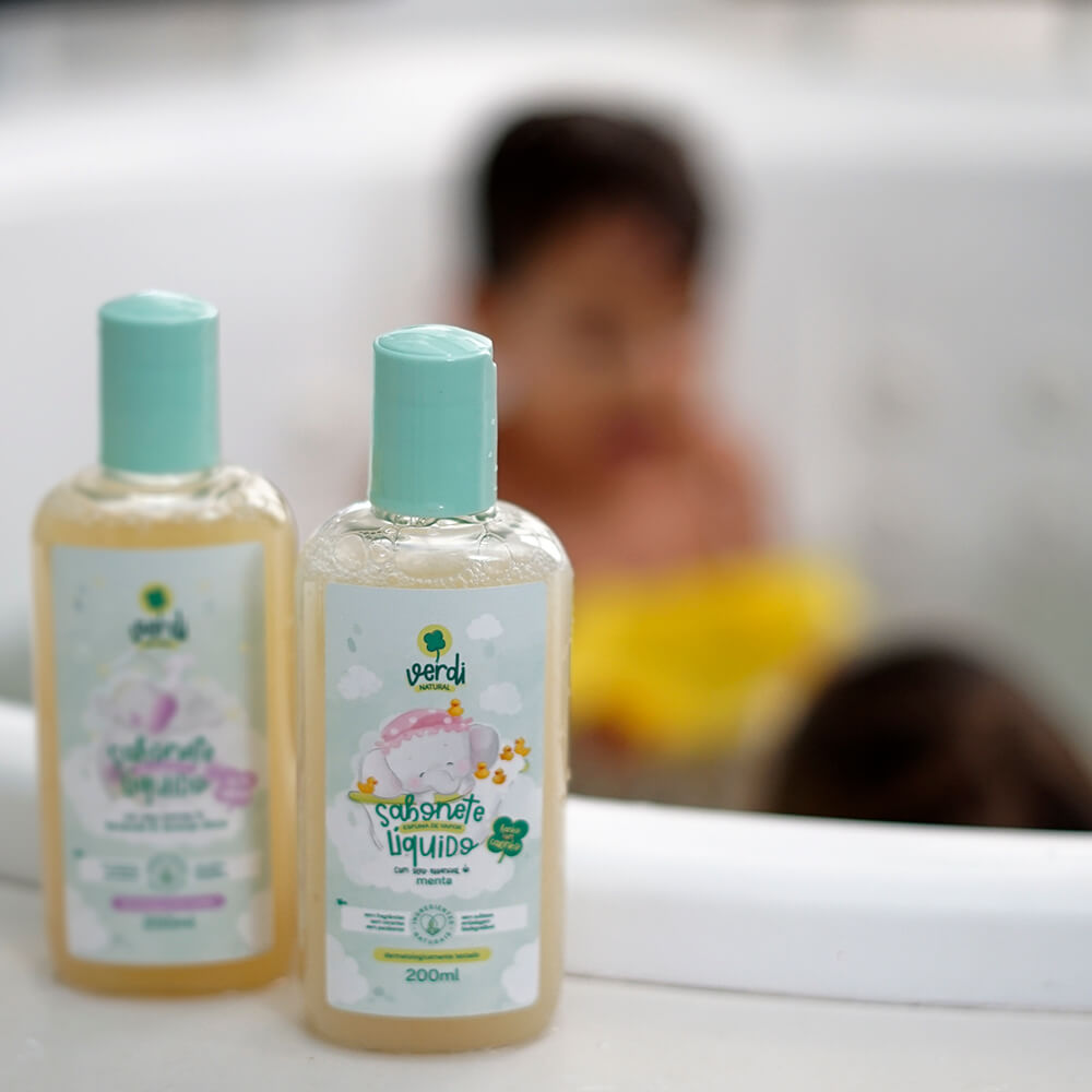 Banho do Bebê e família - Kit com 2 sabonetes líquidos e 4 sabonetes em barras 100% Natural