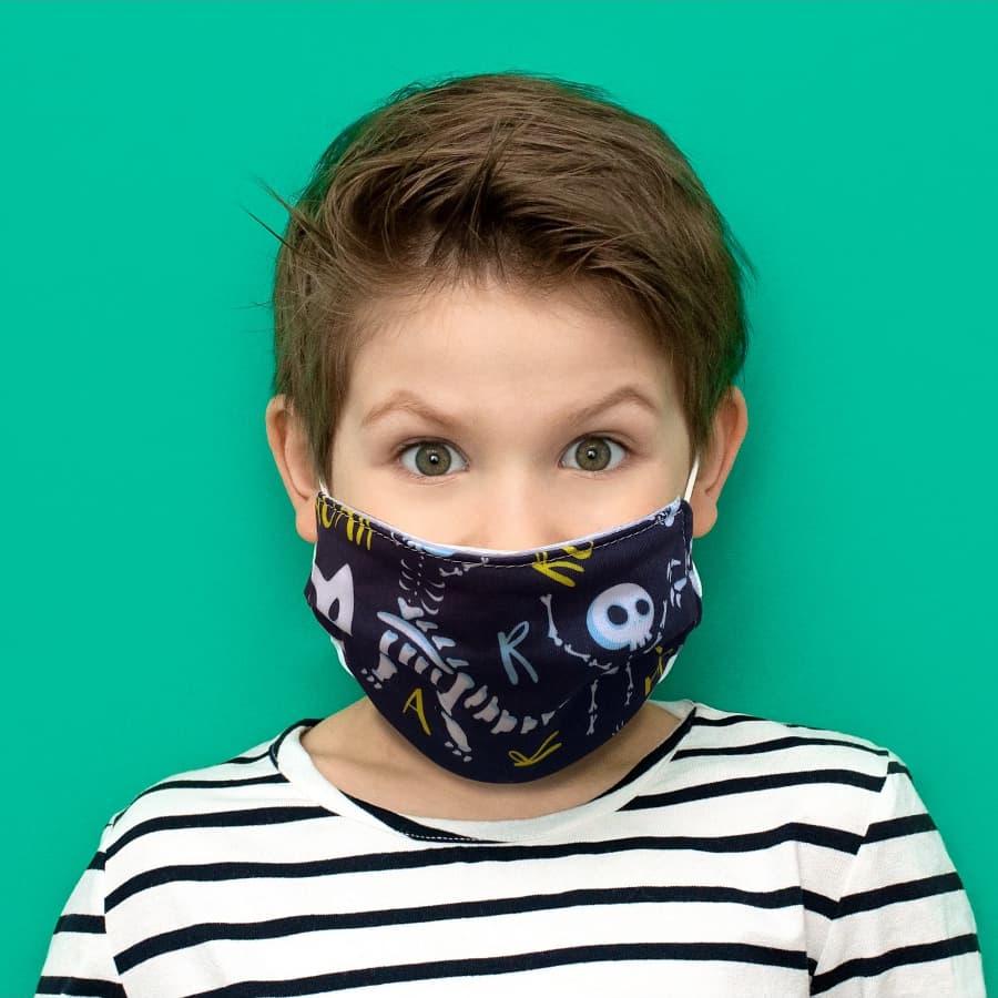 Kit 4 máscaras proteção infantil tecido lavável reutilizável estampa dinossauro colors e P&B