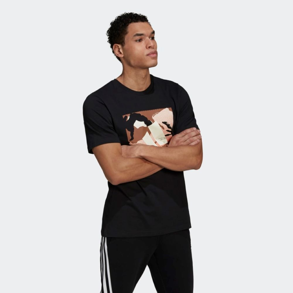 Camiseta Adidas Estampada Athletics Masculina Preto e Camuflado