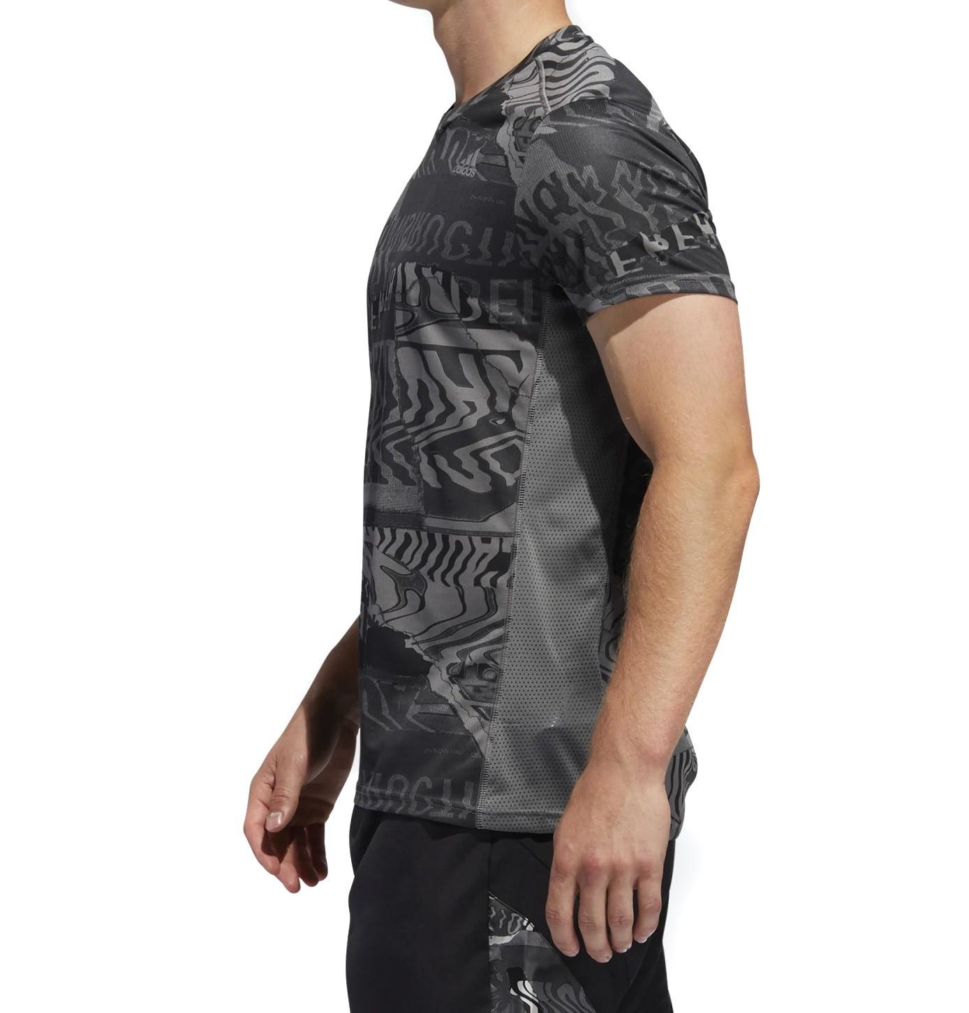 Camiseta Adidas Own The Run Masculina Preto e Cinza