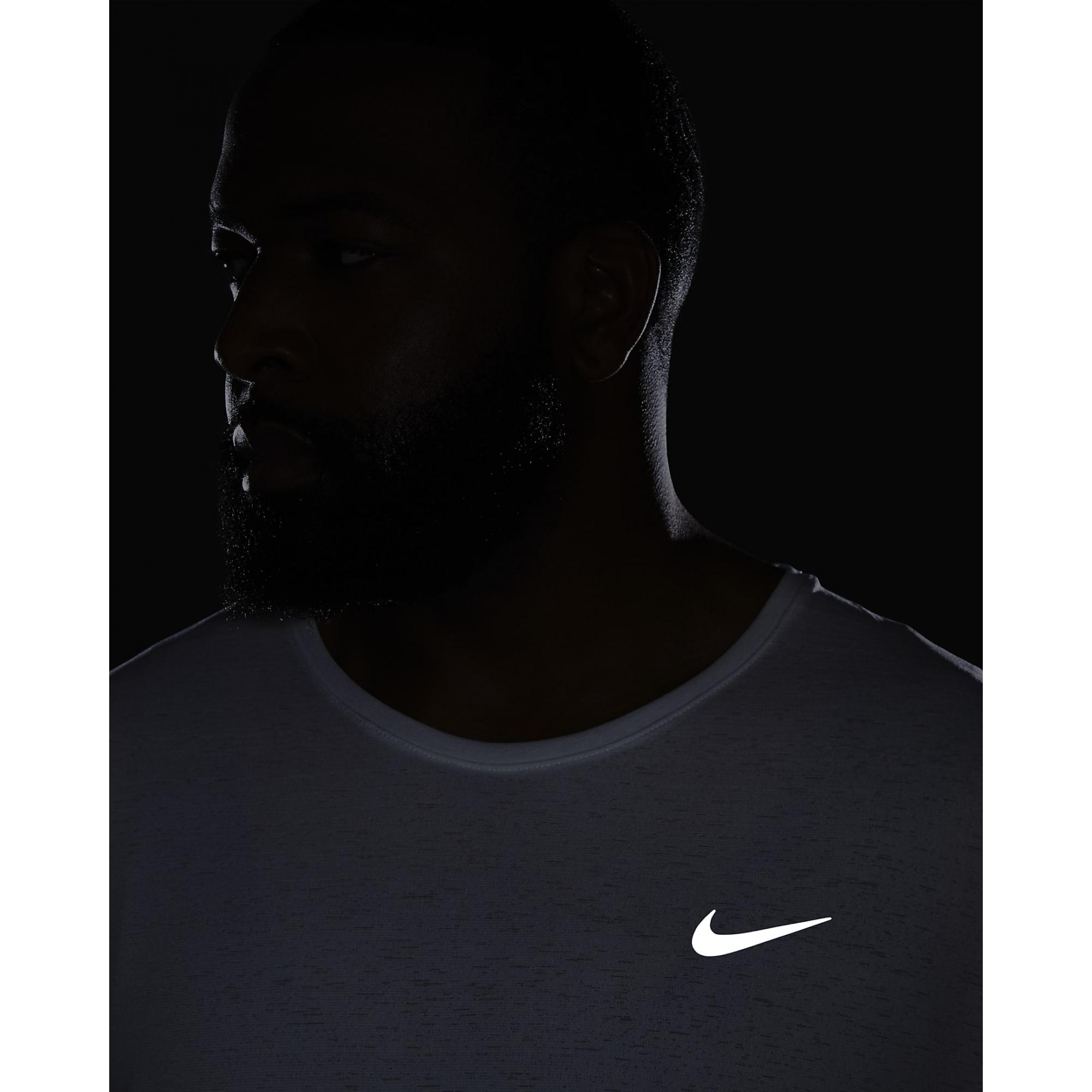 Camiseta Nike Dri-Fit Miler Masculino Branco