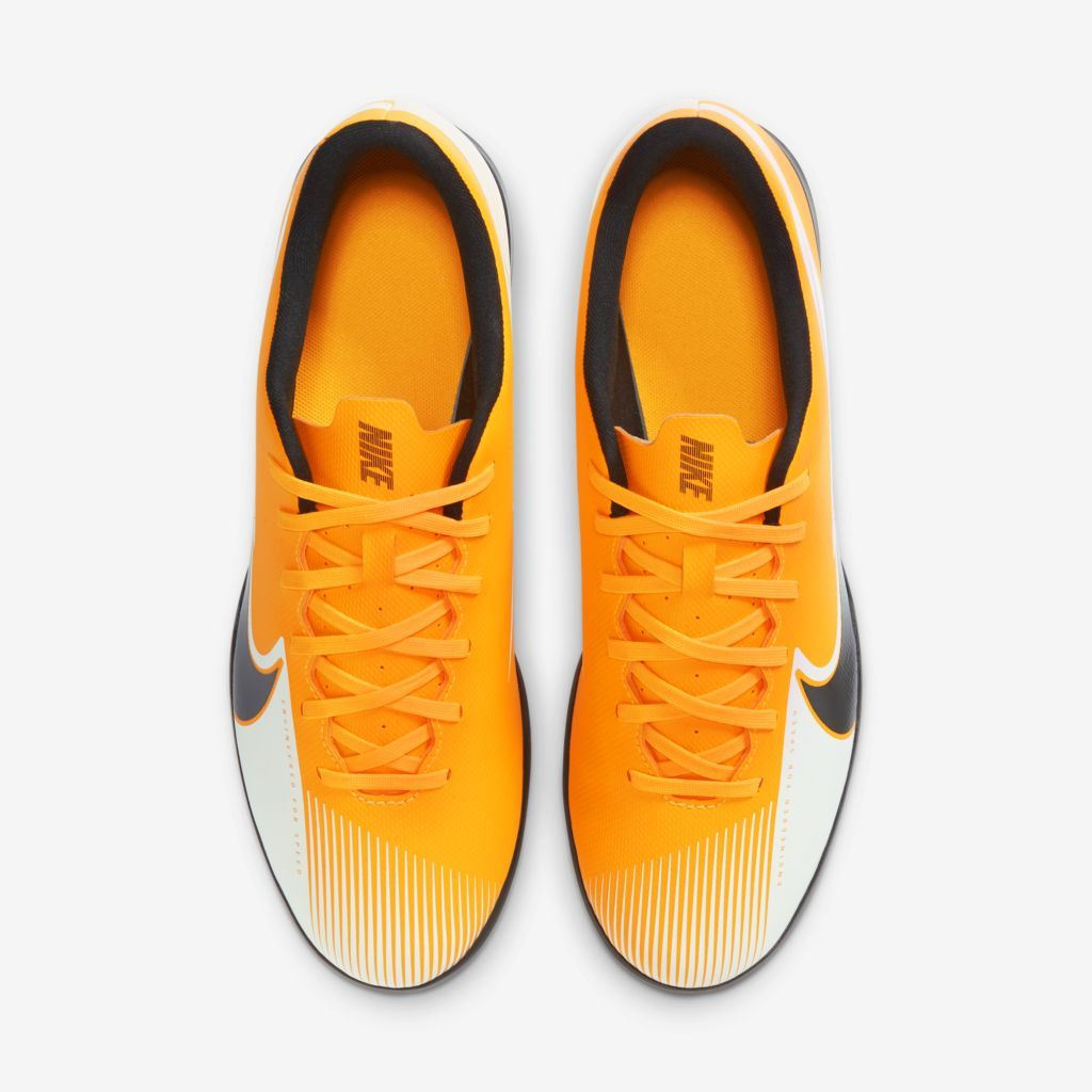 Chuteira Nike Mercurial Vapor 13 Club Amarelo, Preto e Branco