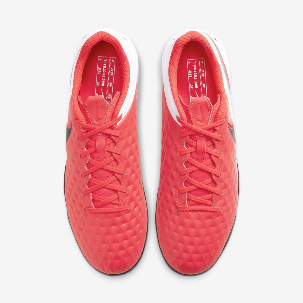 Chuteira Society Nike Tiempo Legend 8 Academy Coral e Branco