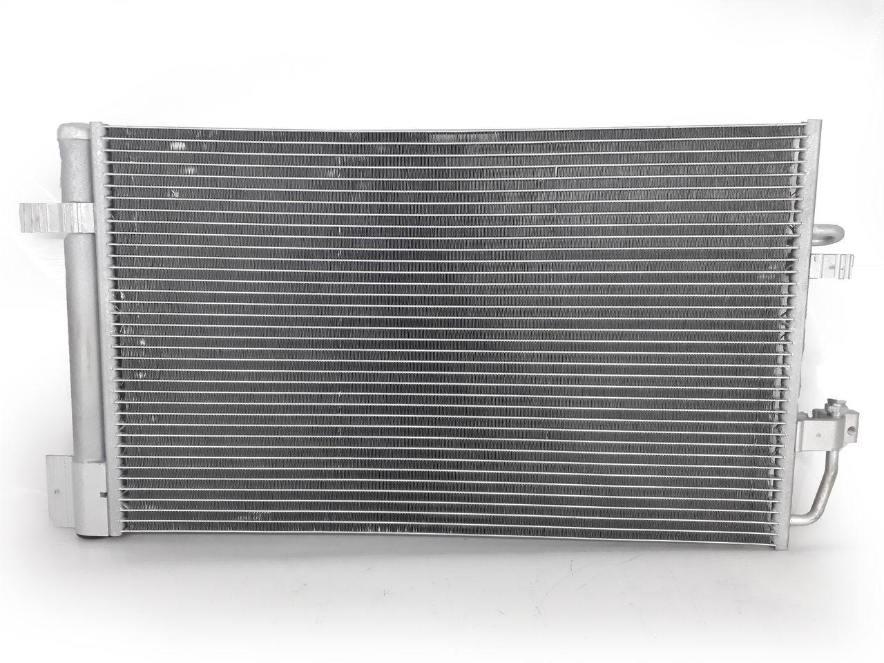 Condensador Astra / Vectra / Zafira 09 - 12 Original Mahle