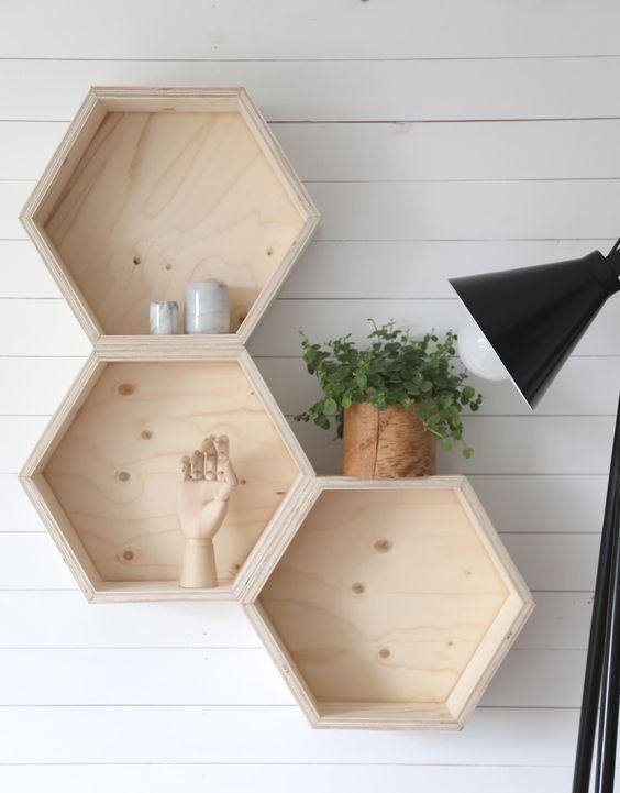 Kit 3 Nicho Hexagonal Colmeia de madeira Para decoração Quarto de bebê com fundo