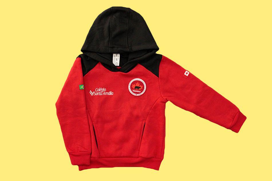 Blusão Moleton Fechado Com Capuz Vermelha Colégio Santa Amália Maple Bear Ensino Fundamental
