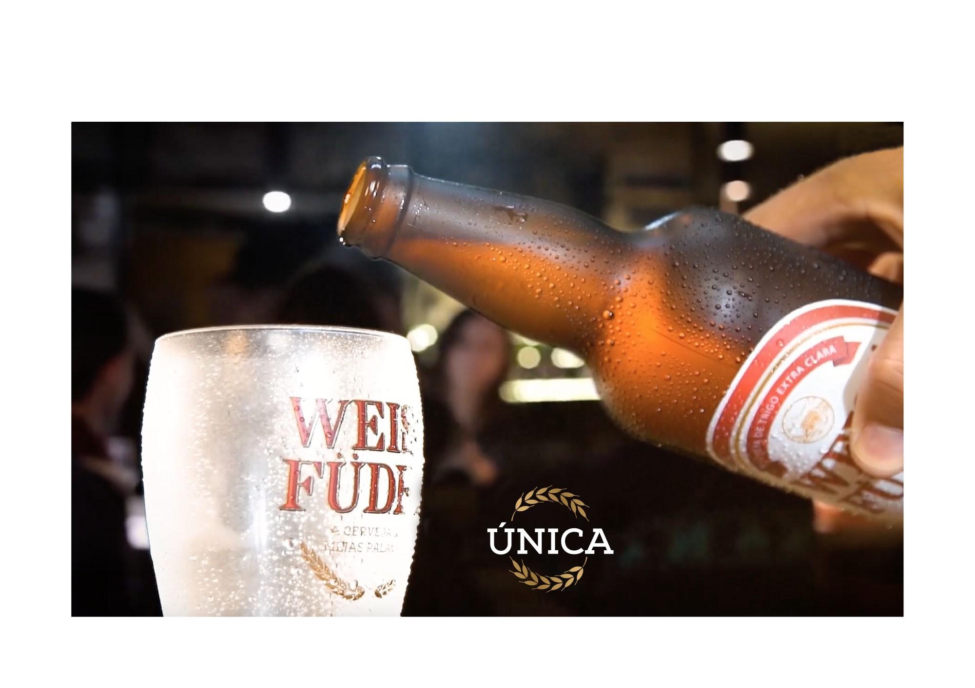 Combo cerveja artesanal Weiss Füder 1 kit com garrafa e copo + 1 avental + 1 boné preto