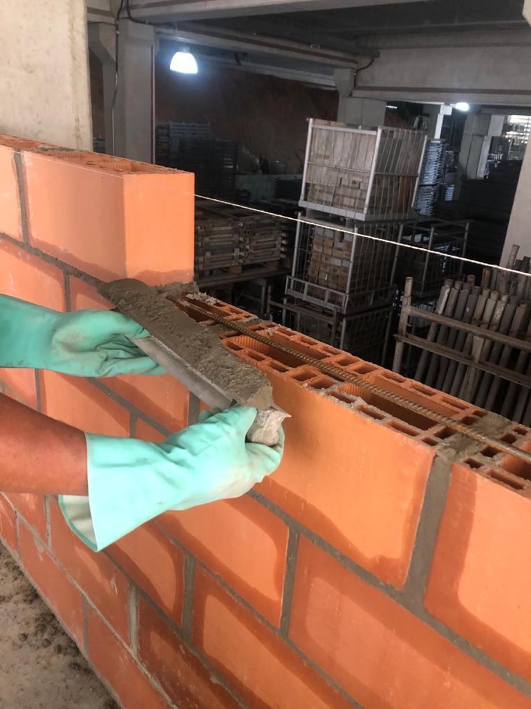 Paleta espátula Black 50CM para assentamento de bloco estrutural