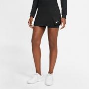 Saia Nike Court Victory