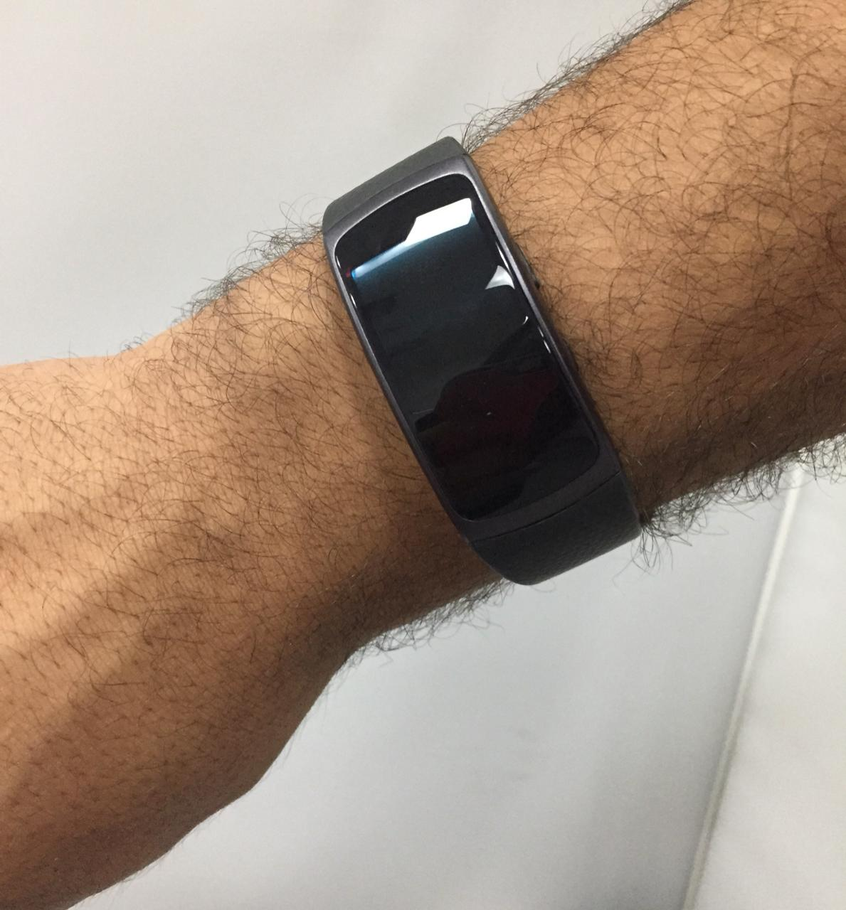 - Smartwatch Samsung Gear Fit2