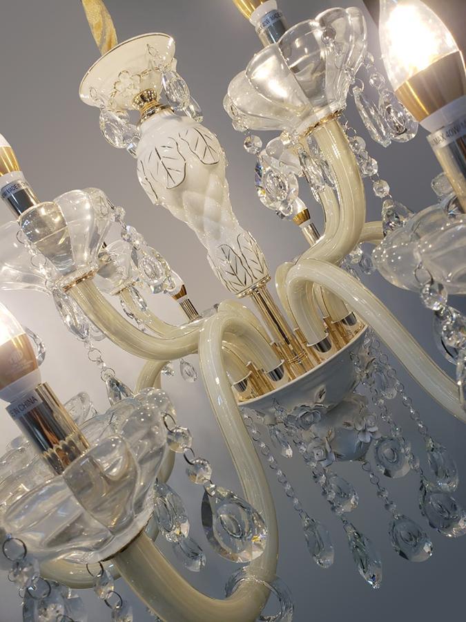 Lustre de Cristal Legítimo K9 12 Braços Branco 1137-8+4B