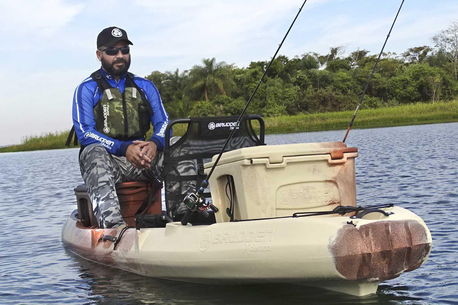 Caiaque para Pesca Brudden Náutica Combat Fishing Profissional Trio Woods Marrom/Bege