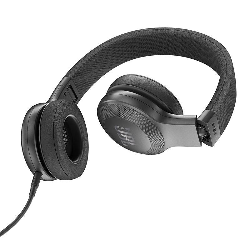 Fone de Ouvido com Microfone JBL E35 Preto