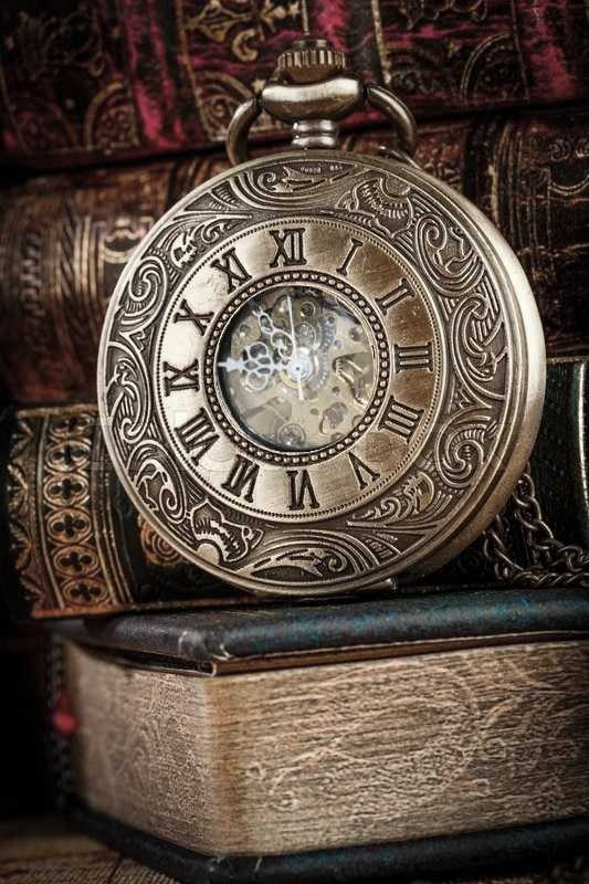 Relógio De Bolso Mecânico A Corda Números Romanos