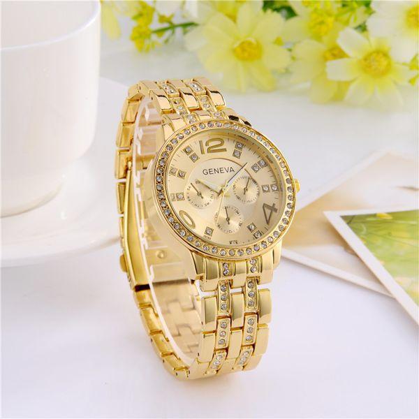 Relógio Feminino Fashion Luxuoso Geneva Dourado com Cristais Brilhantes Grande Pulseira de Metal