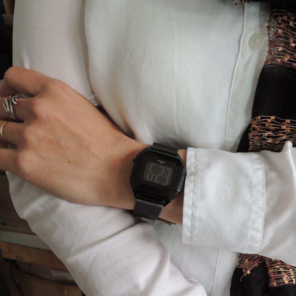 Relógio Feminino Technos Crystal Preto Quadrado Digital À Prova D'água Pulseira de Aço BJ3851AO/1P