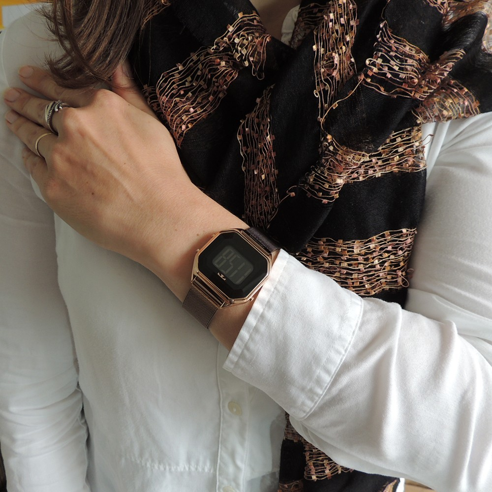 Relógio Feminino Technos Crystal Rosê Quadrado Digital À Prova D'água Pulseira Marrom BJ3851AN/1P