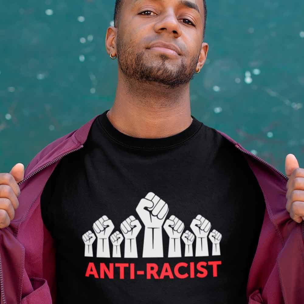 camiseta contra o  racismo preta