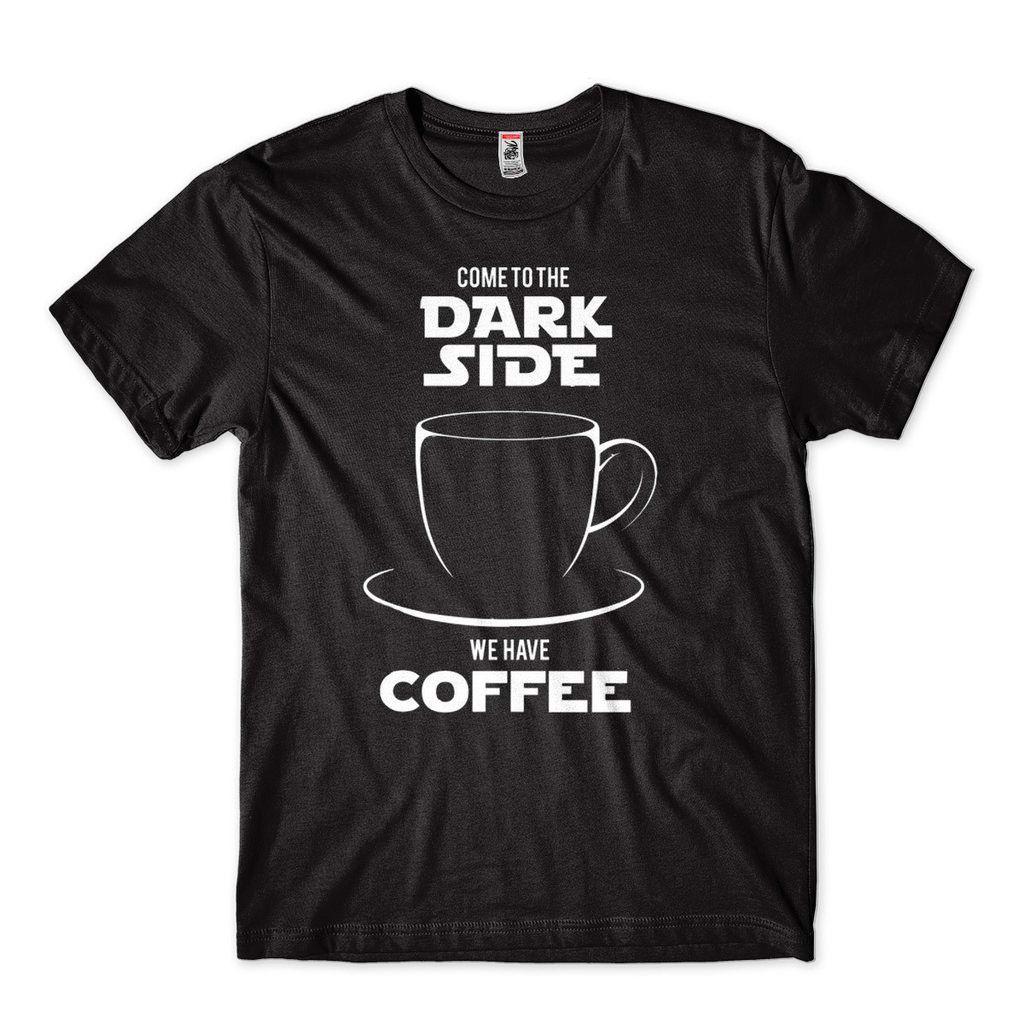 Camiseta De Humor Come To The Dark Site Of Coffe Preta