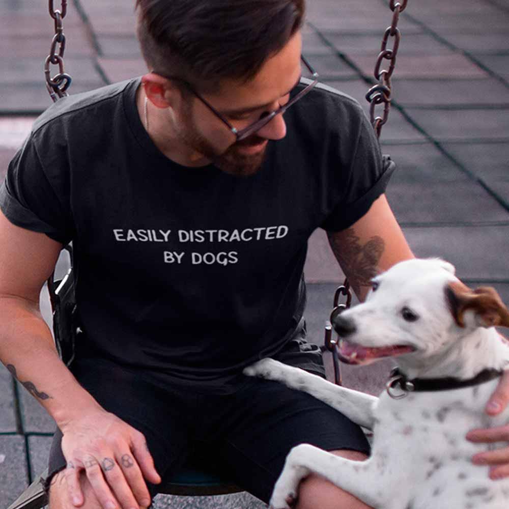 Camiseta Distraído Facilmente Por Cães