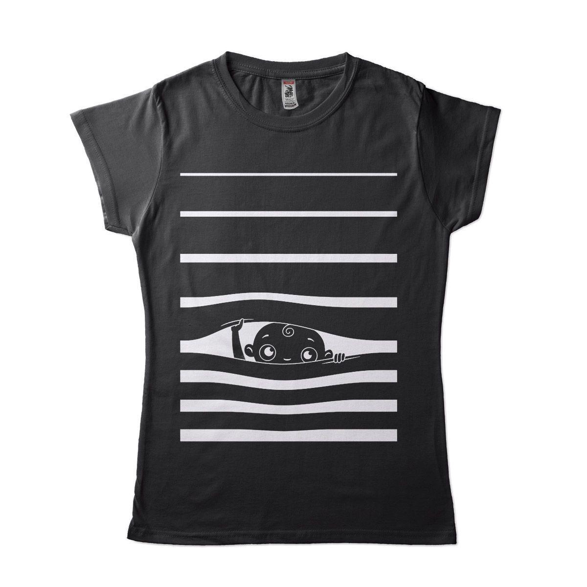 camiseta gravida bebe olhando espiando divertida