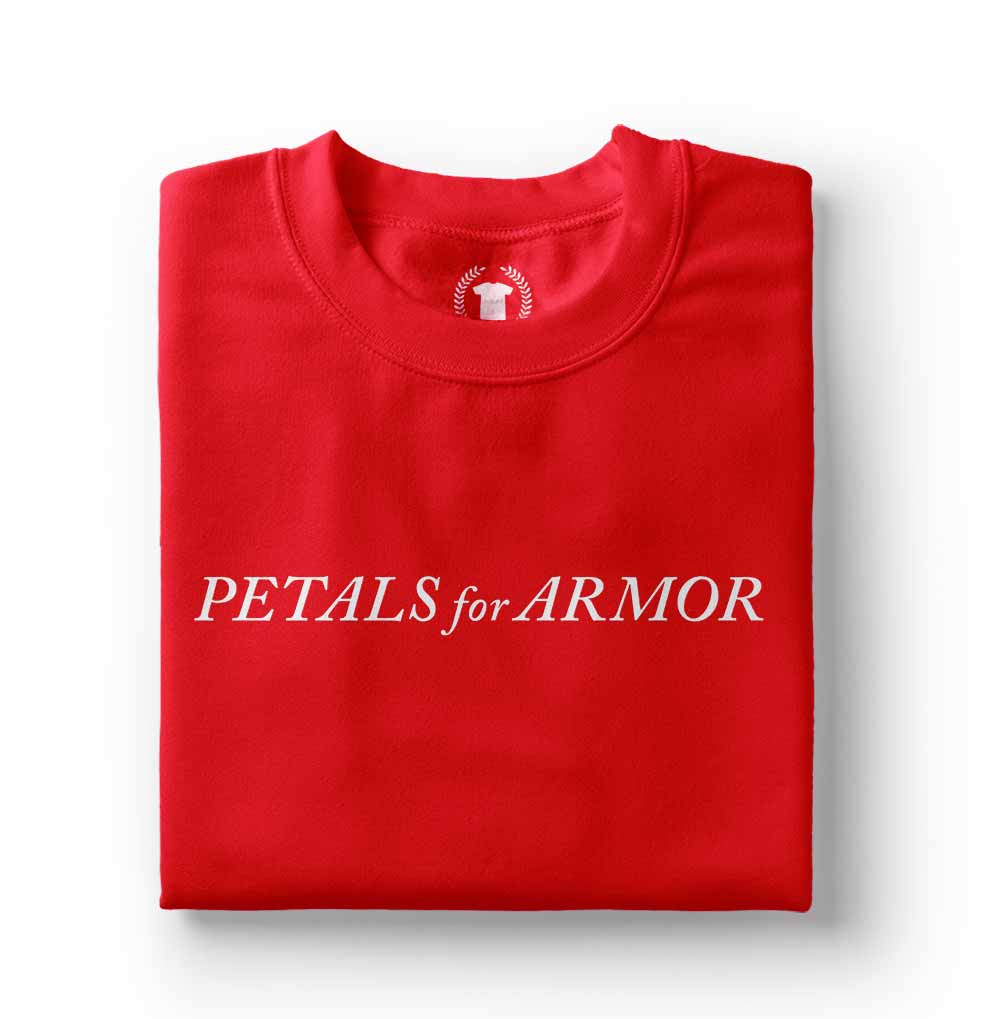 Camiseta Petals For Armor vermelha