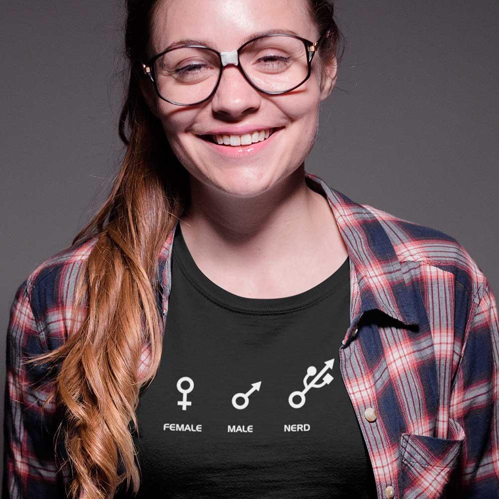 Camiseta Simbolos male female nerd