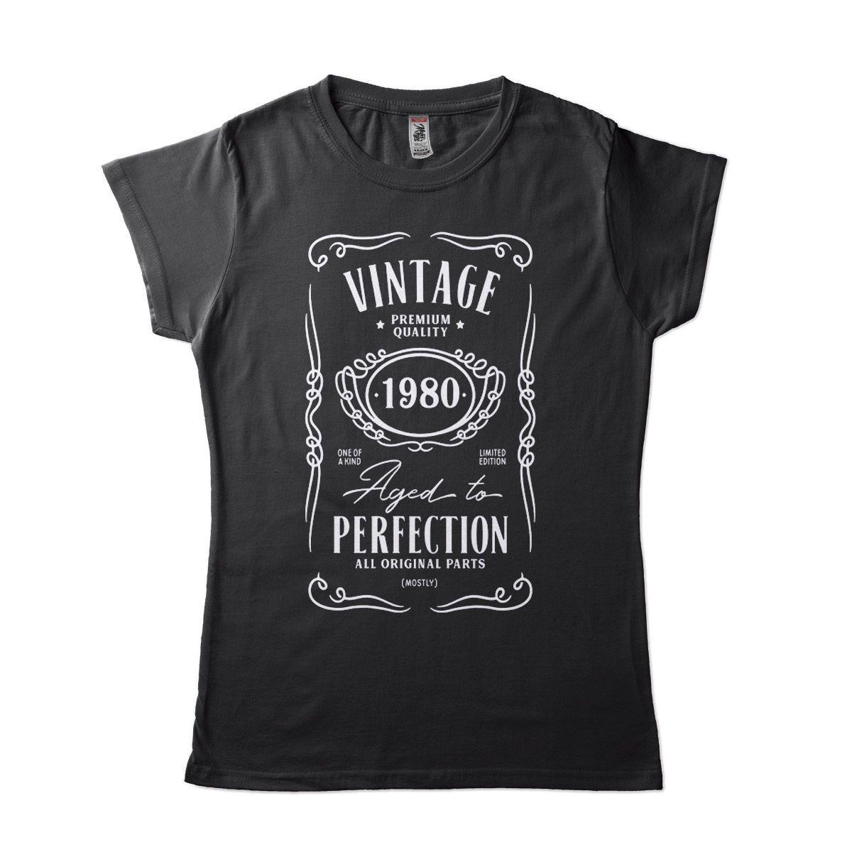 ideia de presente de aniversario camiseta com data personalizada