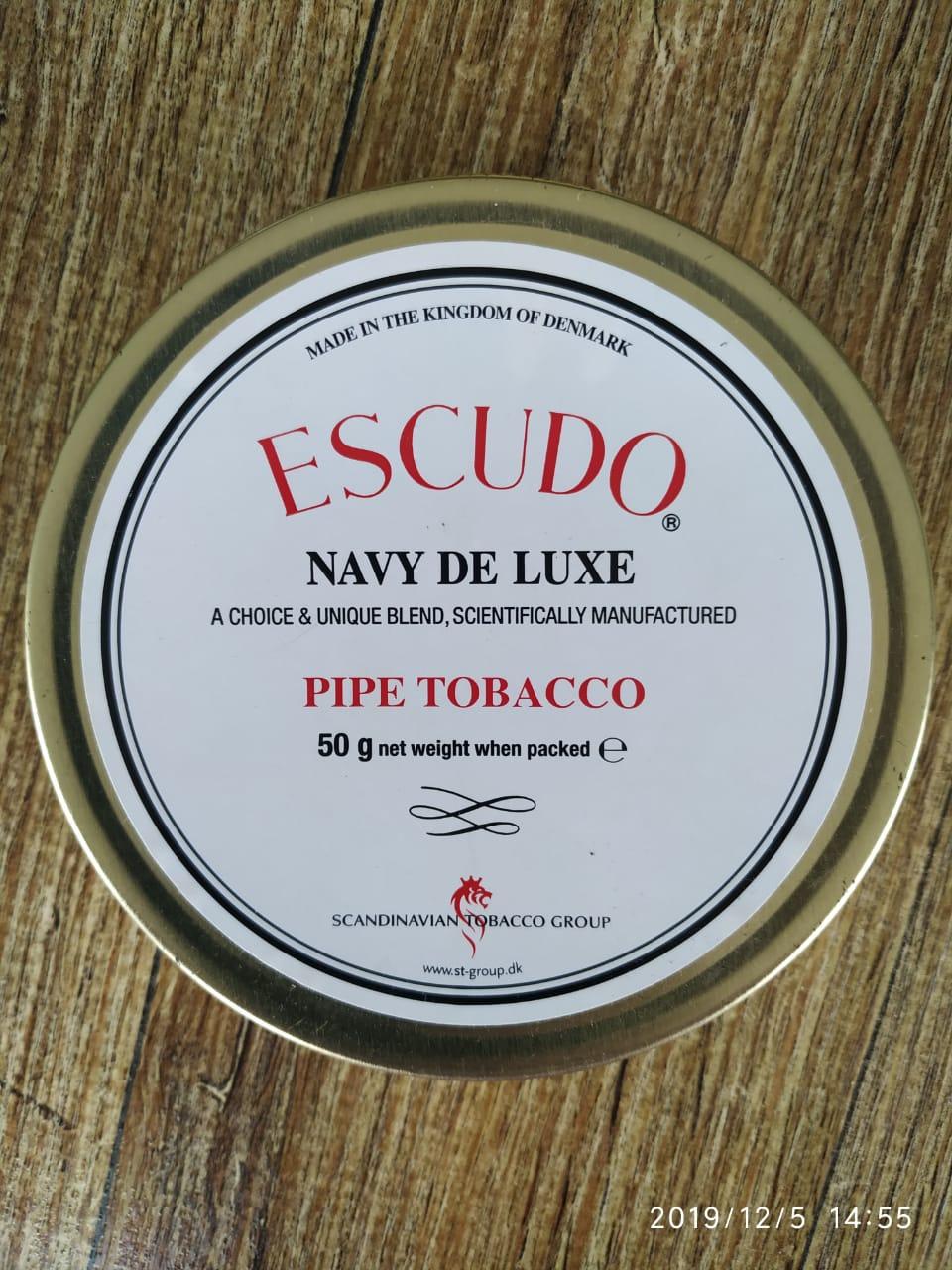 Scandinavian Tobacco Group (STG) - Escudo Navy De Luxe