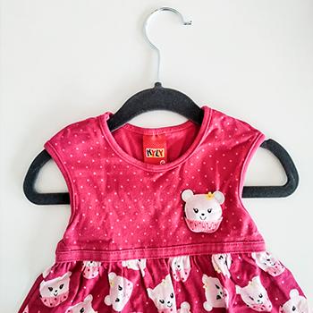 Kit Organização Baby 1 MENINA - 50 Cabides Infantil e 12 Colmeias Transparentes