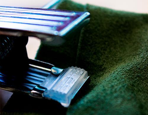 Cabide de veludo Fixel para saia com presilhas - Kit 20 unidades