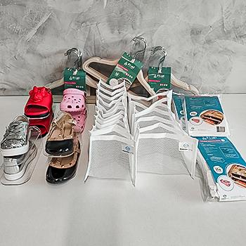 Kit de organização - My baby shoes - cabides bege, colmeias tule e org. sapato