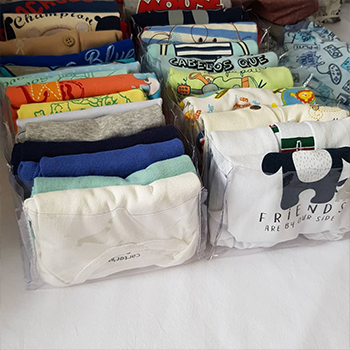 Kit Organização Baby 1 MENINO - 50 Cabides Infantil e 12 Colmeias Transparentes