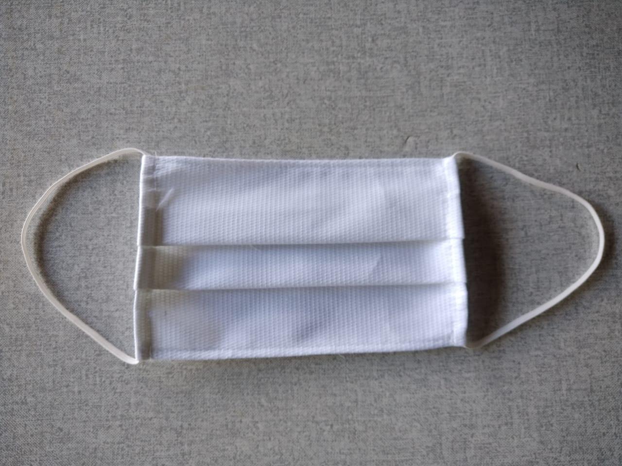 Kit com 3 Máscaras de Proteção Tricoline Brancas Reutilizáveis