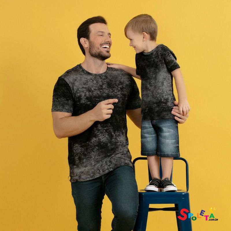 Camiseta Cinza Chumbo - Modelo Pai e Filho
