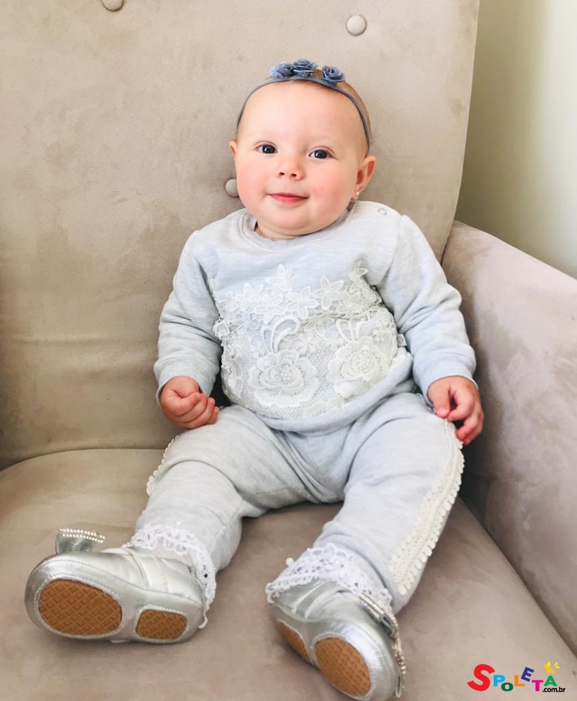 Conjunto Bebê Moletom plicações de Renda e pérola