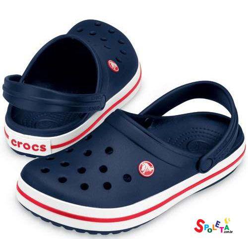 Crocs Azul Com Listras Vermelhas