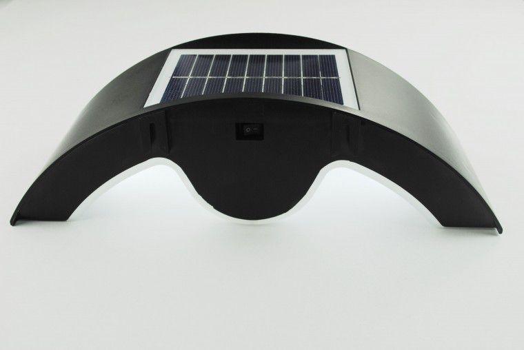 Luminária Solar Meia Lua com Sensor de Presença