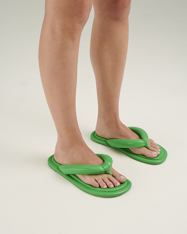 chinelo tire verde