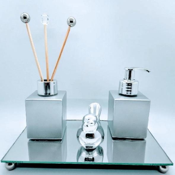 Kit Lavabo Metalizado, Difusor de Ambiente, Saboneteira, Bandeja Espelhada 22 x 12 cm, 1 Passarinho