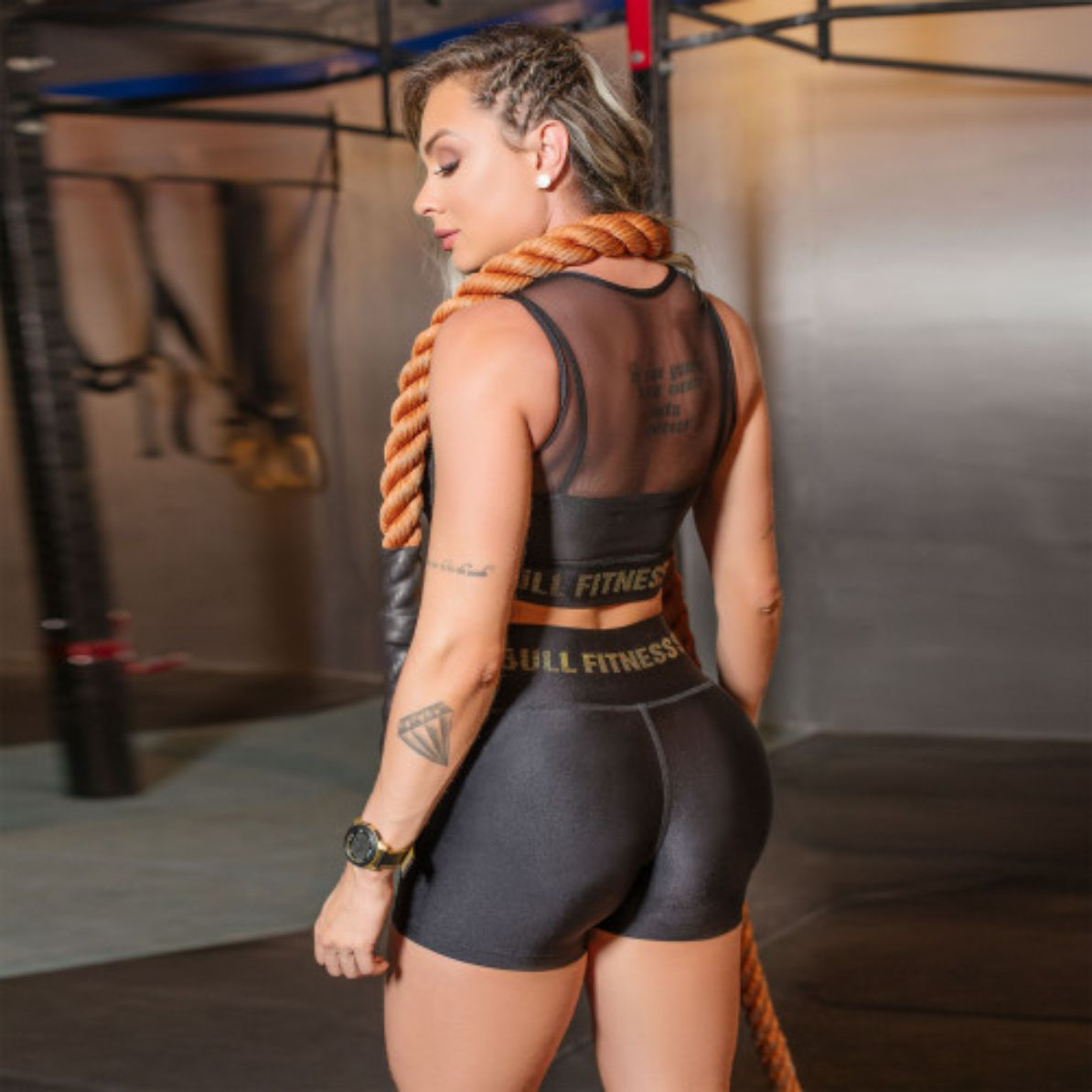 Conjunto Pit Bull Short e Cropped Fitness