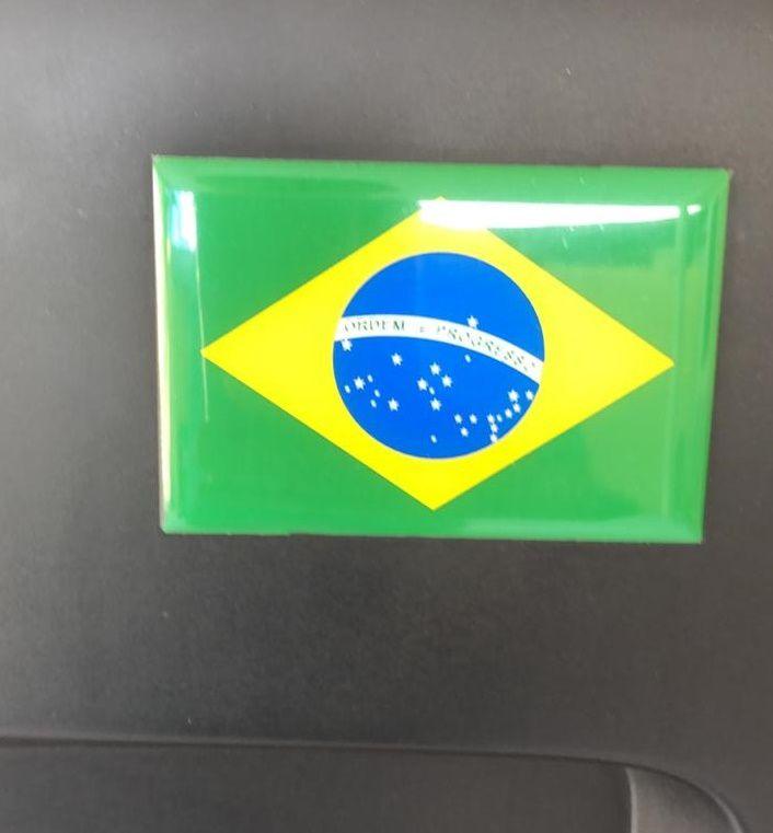 Adesivo Bandeira do Brasil Troller 2015>