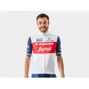 Camiseta Trek-Segafredo fabricada pela Santini (versão de competição)